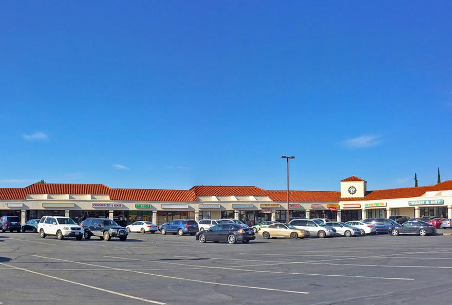 Commercial Real Estate Retail Strip Center Loans Investors Pioneer Realty Capital