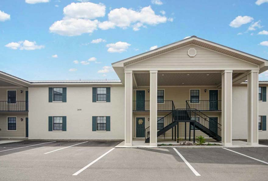Commercial Real Estate Loans For Apartment Buildings Multifamily Pioneer Realty Capital